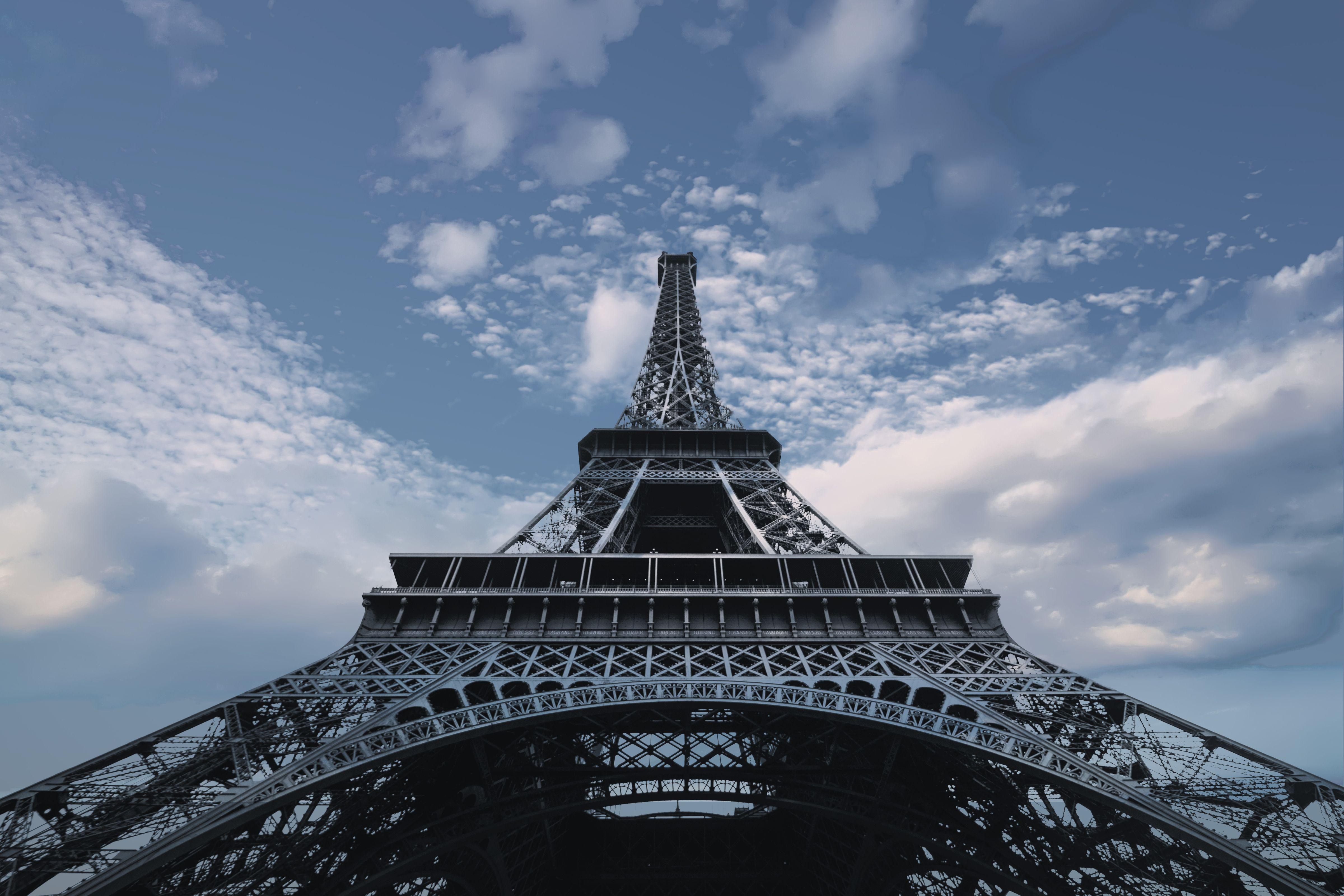 the eiffel tower  paris  4k uhd wallpaper
