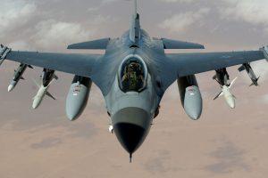 F 16 Fighting Falcon 01