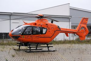 Rescue Helicopter (LUFTRETTUNG – D-HZSL – Eurocopter-EC-135T2i) 4K