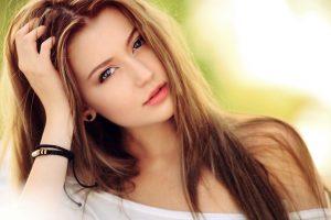 Pretty woman with dark blonde hair hd