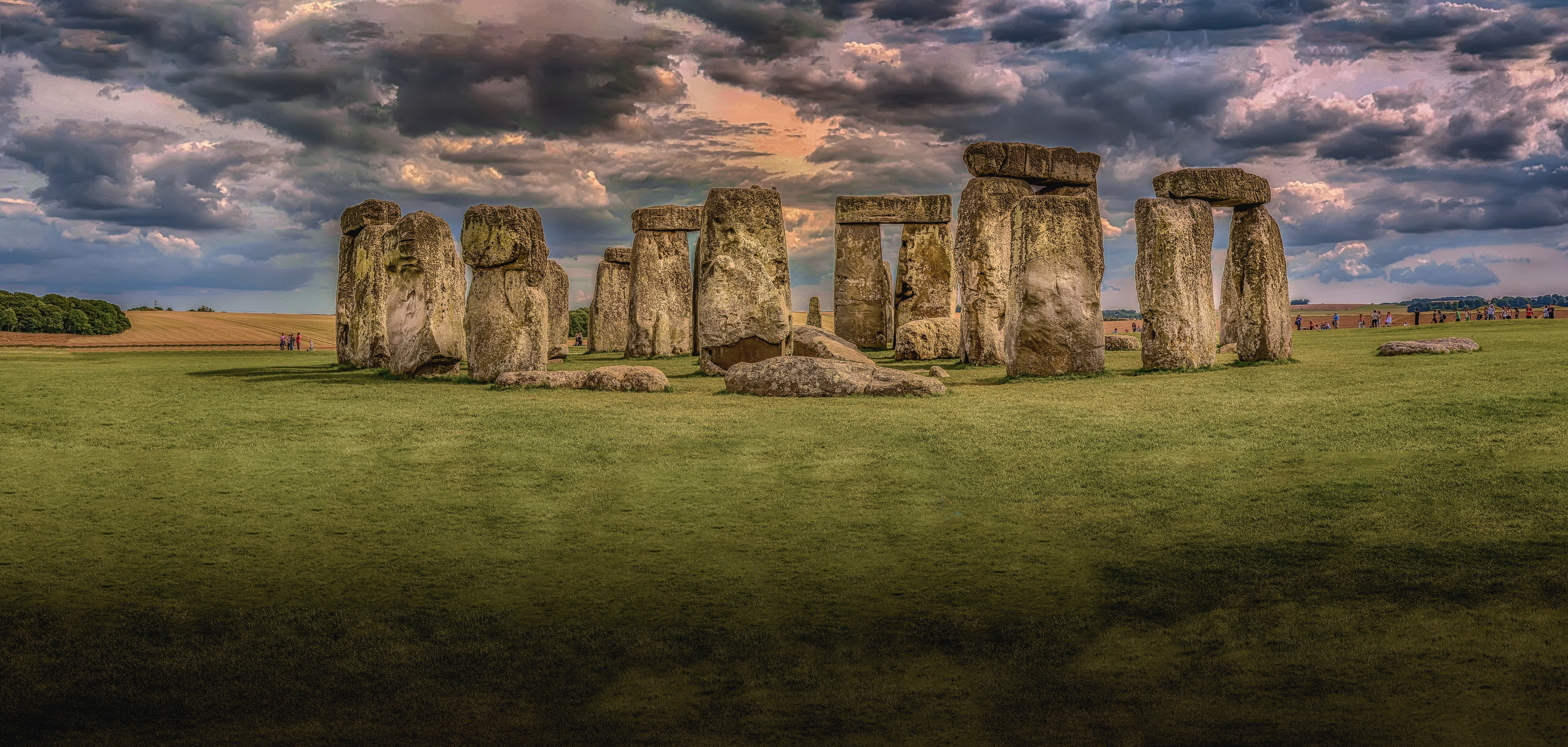 an introduction to the history and the origins of stonehenge • introduction • history and construction when was stonehenge built the origins of stonehenge as a prehistoric site go back to at least the 9th.