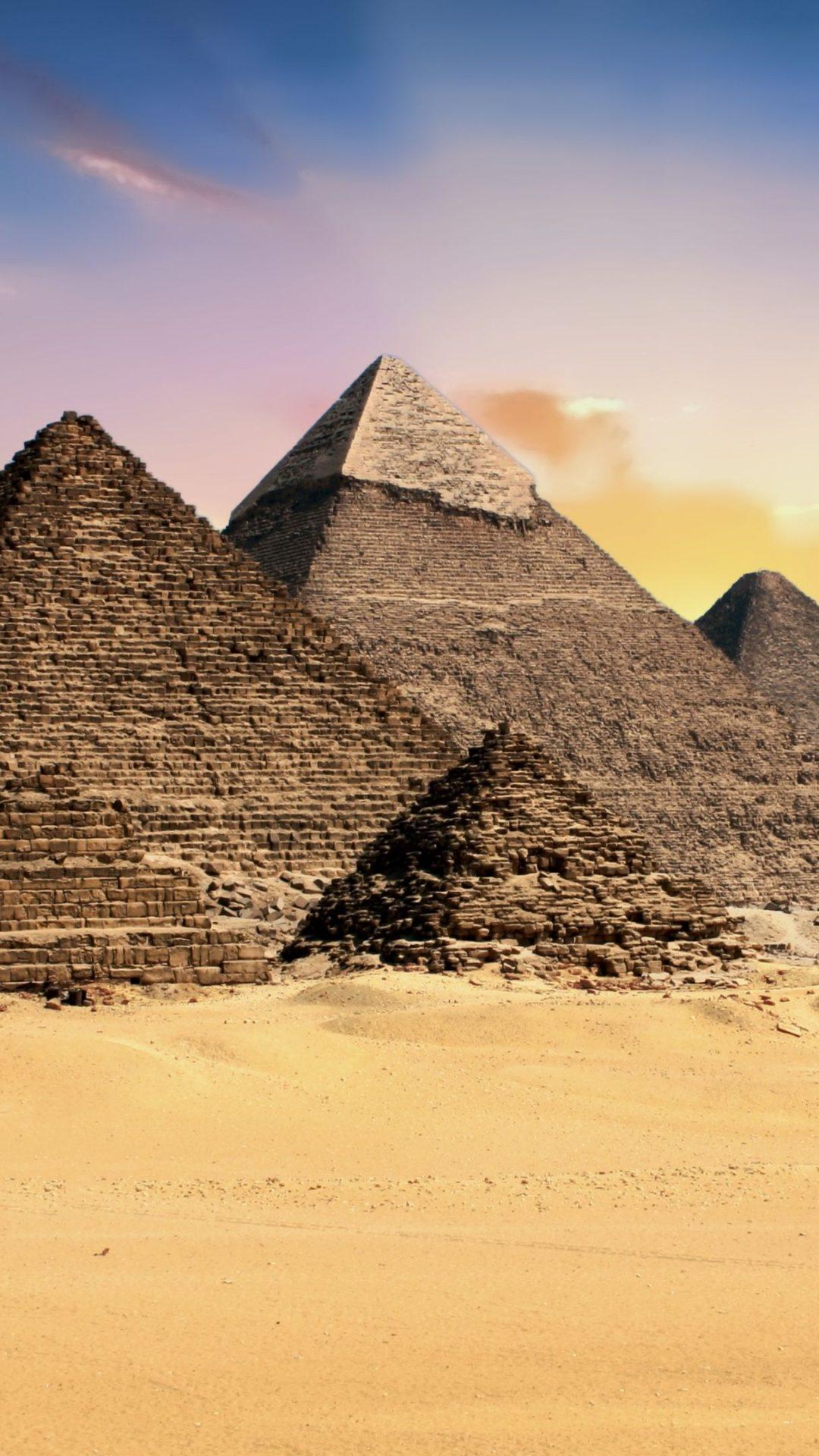 The Giza pyramid complex 4K UHD Wallpaper