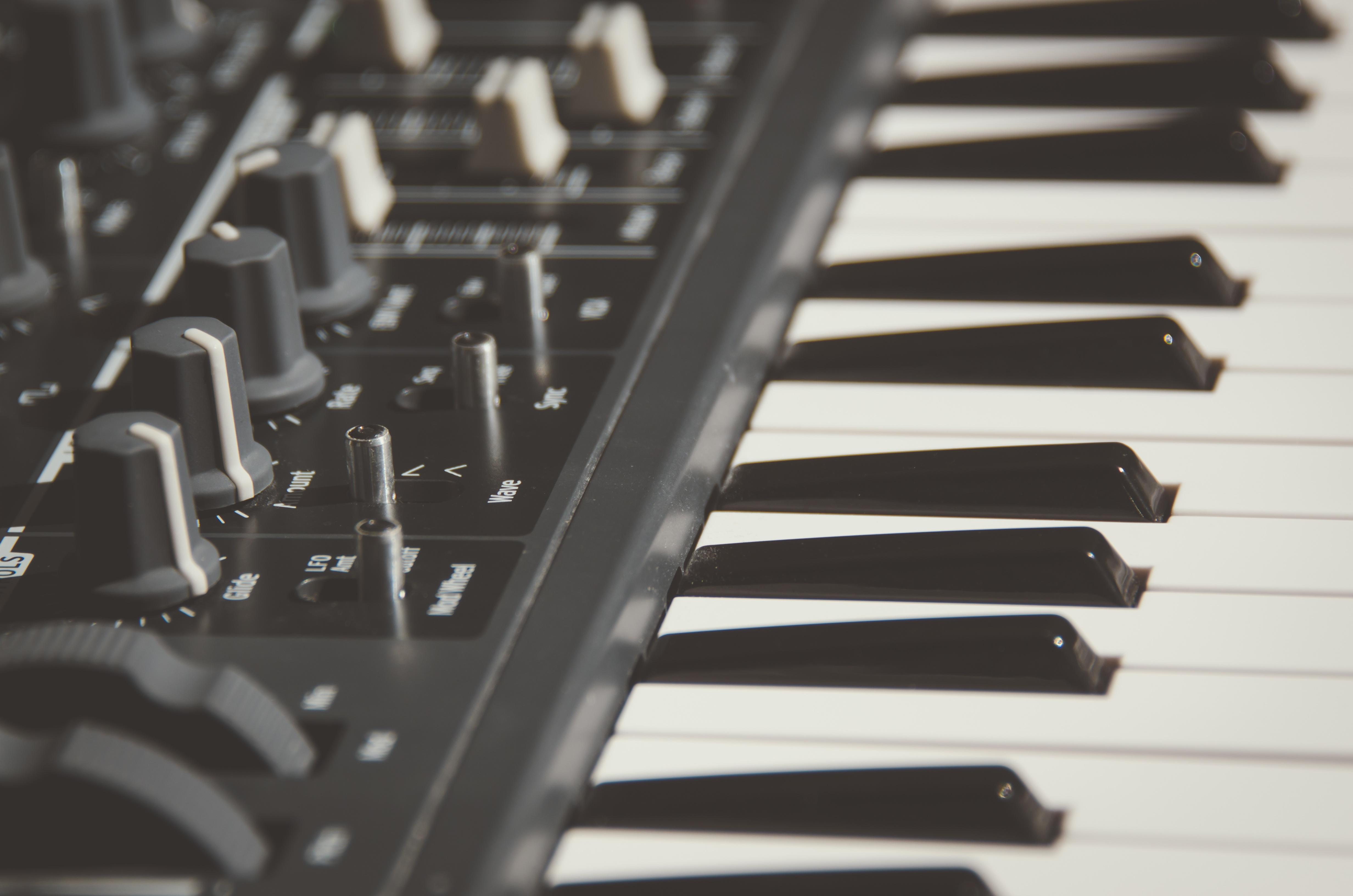 Electronic Keyboard 4k Uhd Wallpaper