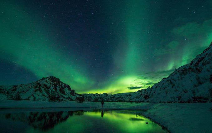 Man Looking At The Aurora Borealis HD