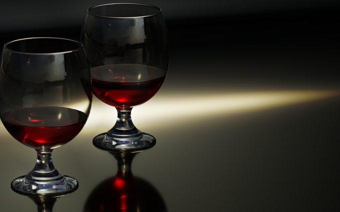 Red Wine Glasses 4K