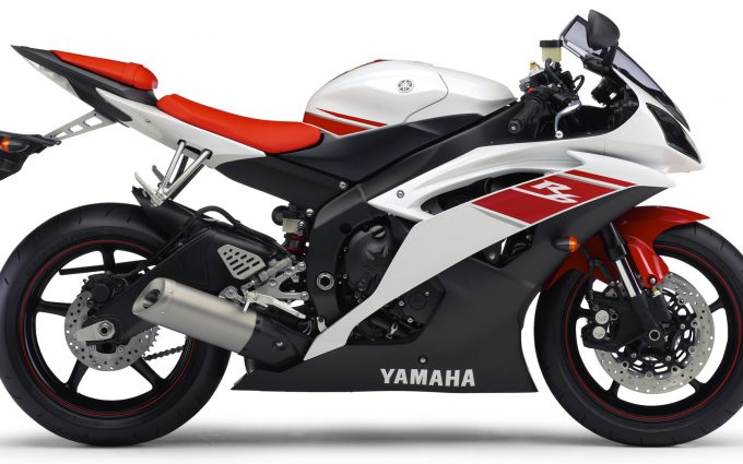 Yamaha R6 2009 Red And White 02