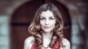 Beautiful woman with dark blonde hair HD