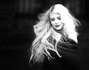 Gorgeous Woman With Blonde Hair (B&W) 4K