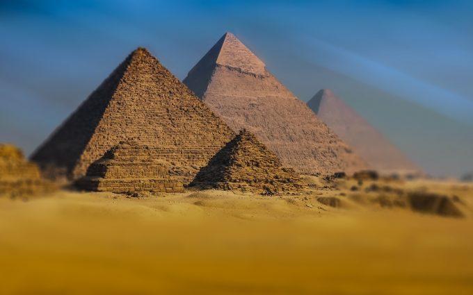 The Giza pyramid complex HD